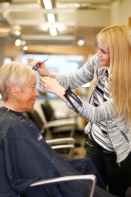 Behandling Klippning Pensionär Klippstugan